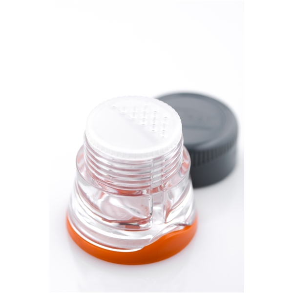 gsi79501_salt_and_pepper_shaker